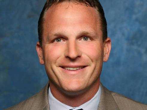 Darian DeVries, Assistant Coach
