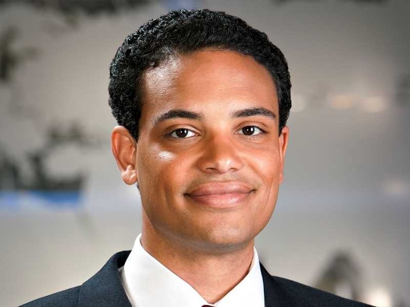 Adrian Whitsett joined KETV NewsWatch 7 in 2008 and currently co-anchors the 5 p.m. weekday newscasts. Find out more about this Iraqi war veteran and University of Nebraska Lincoln graduate.