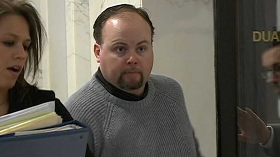 PHOTO: Shad Knutson in court