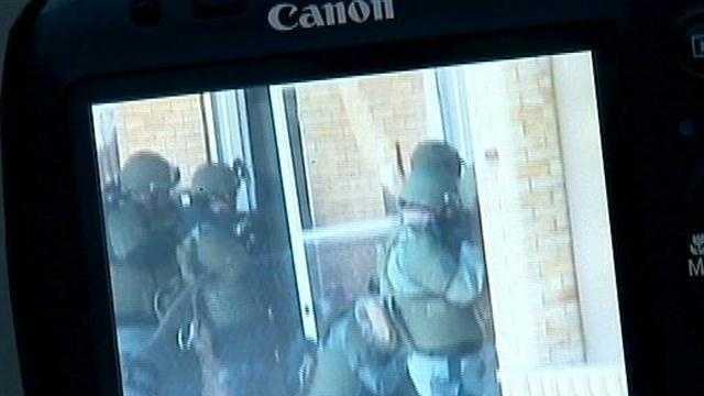 SWAT team breaks down door, breaks windows at wrong home