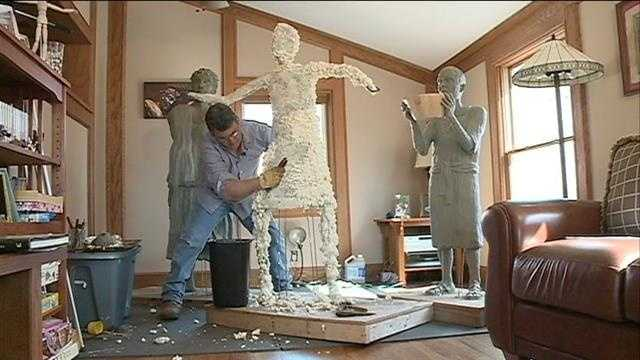 KETV goes behind the scenes with Carl Weiss, the Springfield sculptor commissioned to create 14 interactive bronze sculptures depicting the Stations of the Cross.