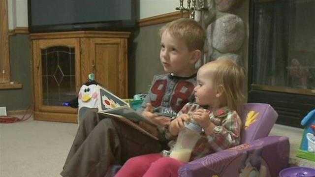 Boy, 6, calls 911 as sister chokes