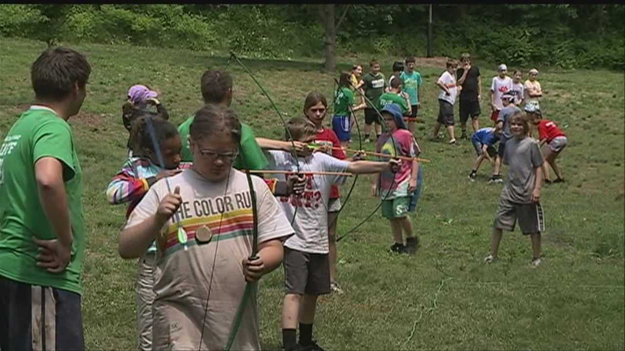 Hummel Park Day Camp reopens after bat scare