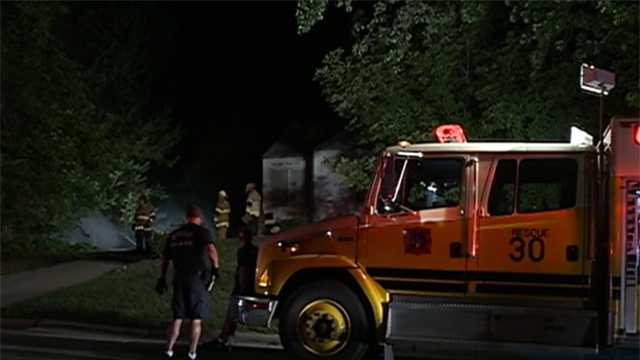 Blaze damages abandoned home in Omaha