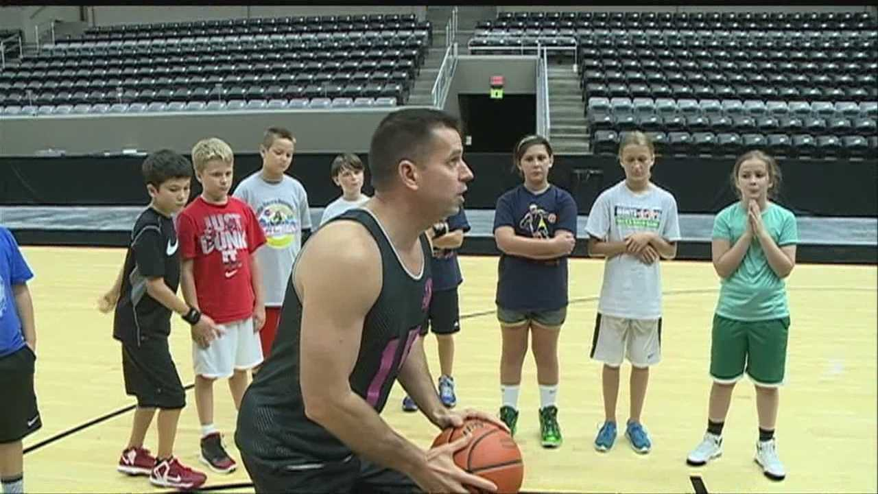 Young athletes had a chance to brush up on their basketball skills Saturday with former members of the Omaha Racers.