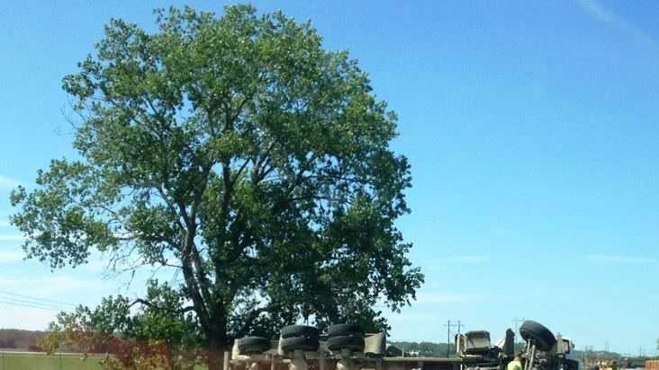 I-29 TRUCK OVERTURNED.JPG