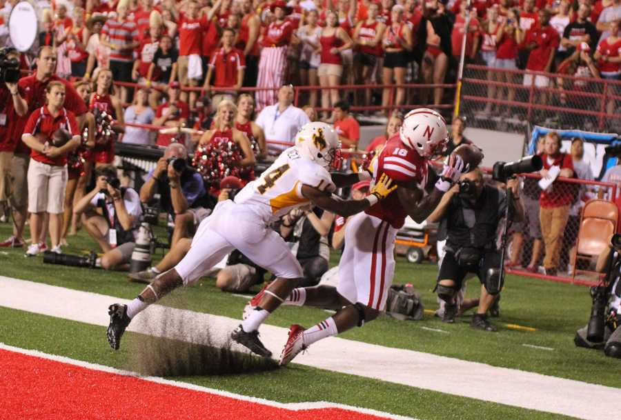 Nebraska wide receiver Quincy Enunwa comes down with a touchdown grab.