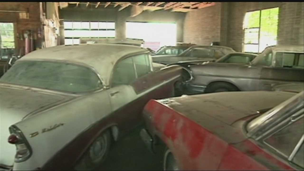 Small Neb. town preps for vintage car auction