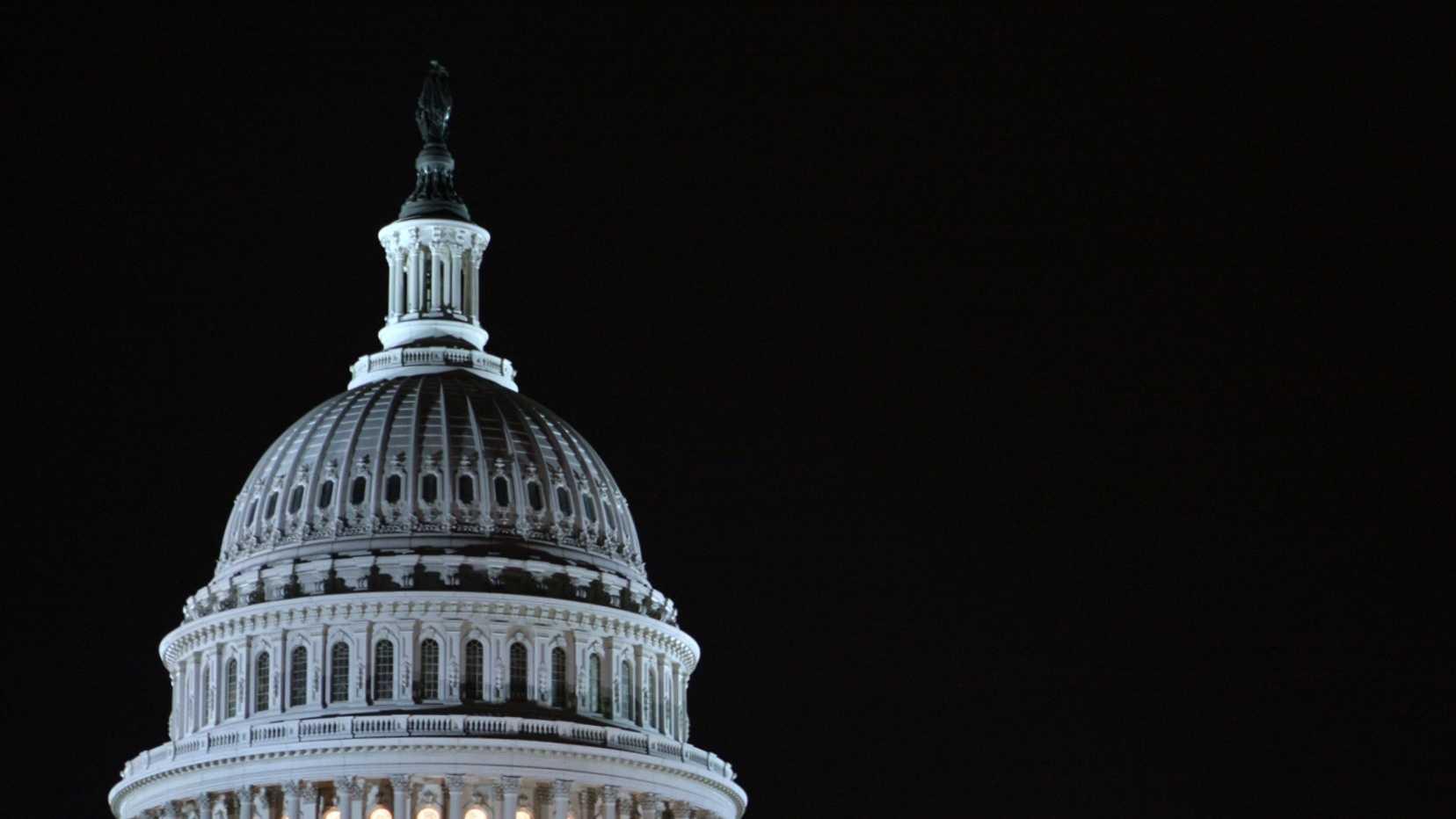 night - US capitol building.jpg
