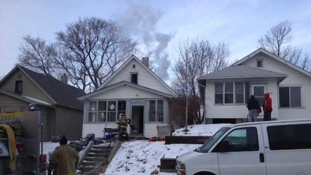 Omaha fire displaces family of 8