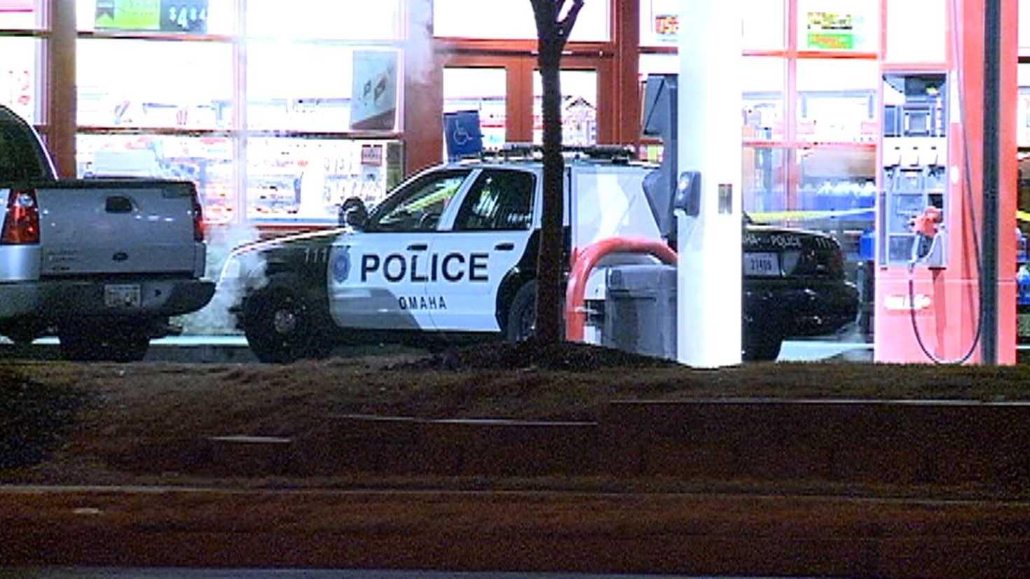 omaha-police-kum-and-go.JPG