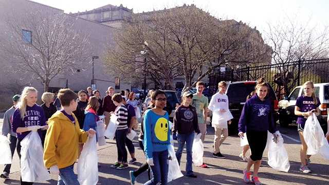 Students clean up downtown Omaha