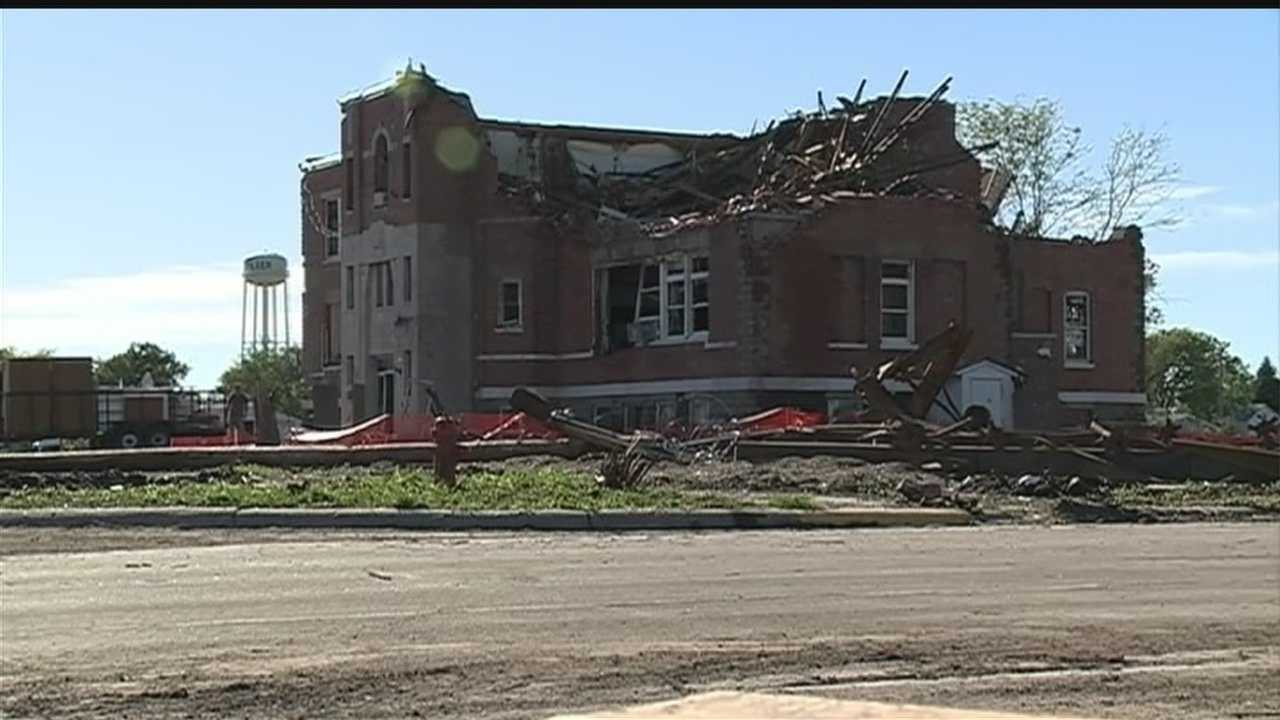 On Monday, Pilger school leaders discussed where to send kids in the fall after twin tornadoes destroyed the grade school two weeks ago.