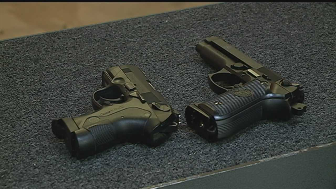 The Omaha City Council says crimes using fake guns should be a felony, and members unanimously voted to support state legislation on the issue Tuesday.