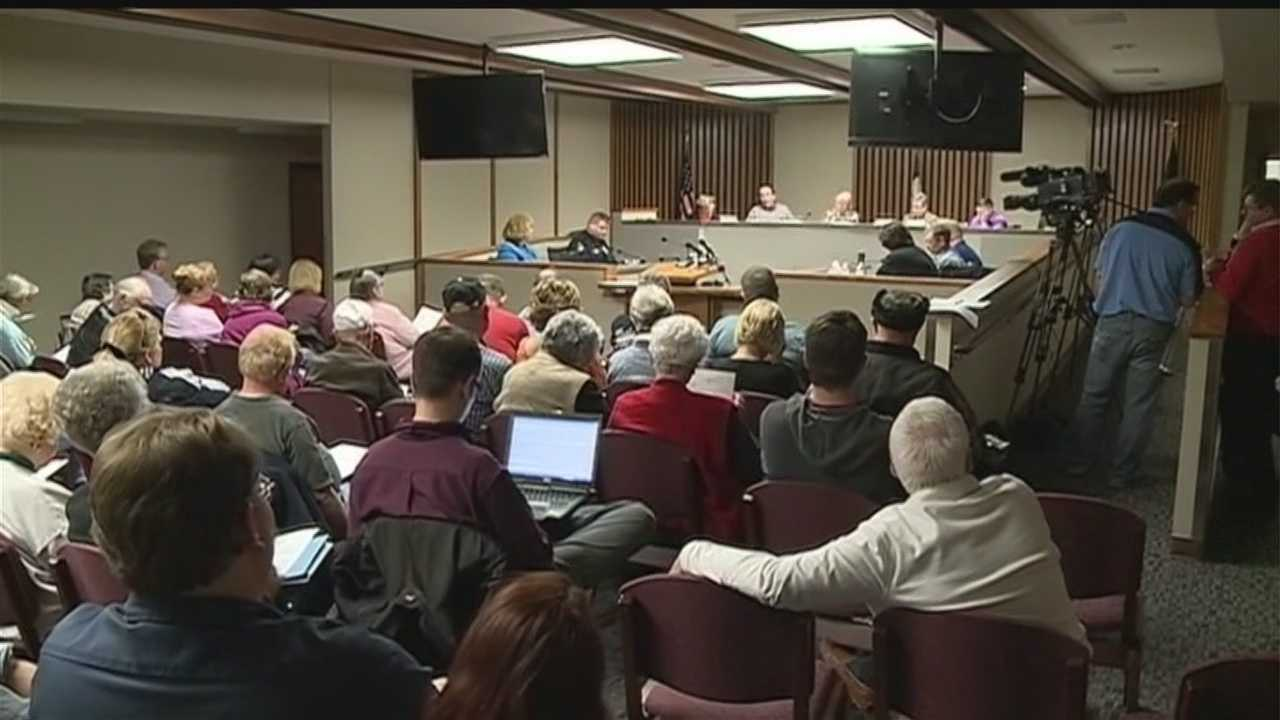 There's a financial fight underway in Glenwood over a plan to raise taxes. Protestors had plenty to say at Tuesday night's council meeting.
