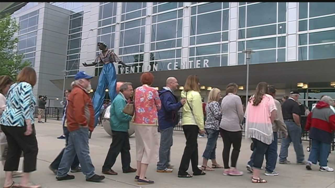 Chinh Doan is outside the CenturyLink for the Berkshire Hathaway update along with a list of events.