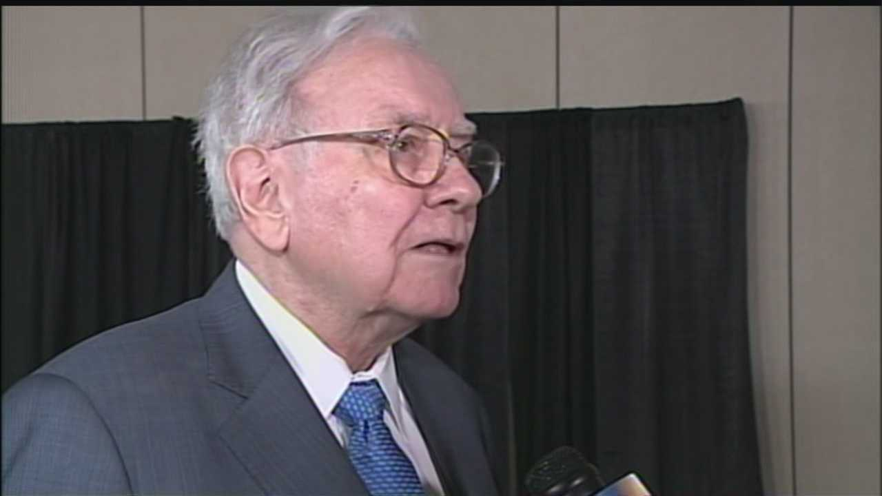 After taking questions from the crowd during the Berkshire Hathaway annual shareholders meeting, Warren Buffett took questions from KETV NewsWatch 7's David Earl.