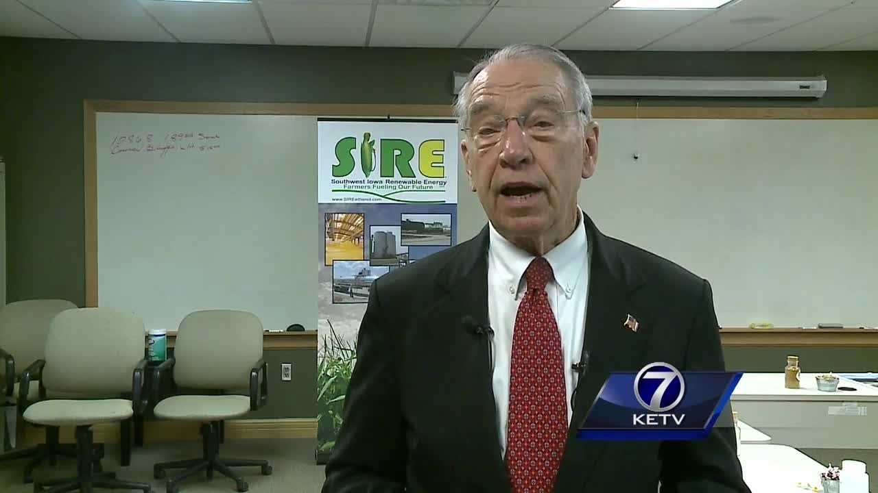 Iowa senator Chuck Grassley met with constitutents Thursday morning to get feedback from the local community, as well as voice his opinions on some hot button topics.