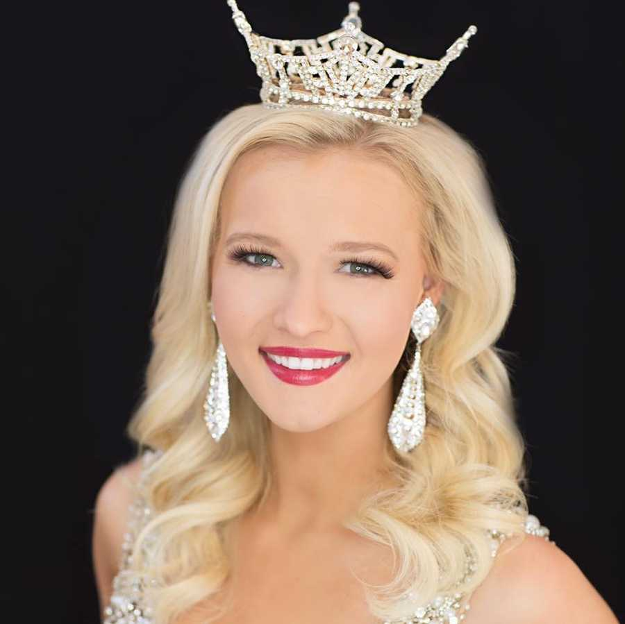 Miss Nebraska 2015 Alyssa Howell.  Alyssa was a Top 12 Finalist at the 2016 Miss America Pageant.
