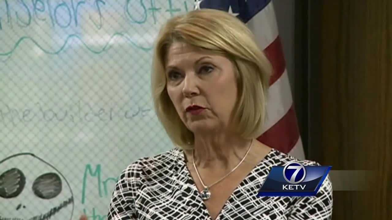 Mayor Stothert fractures spine&#x3B; decision on surgery tomorrow