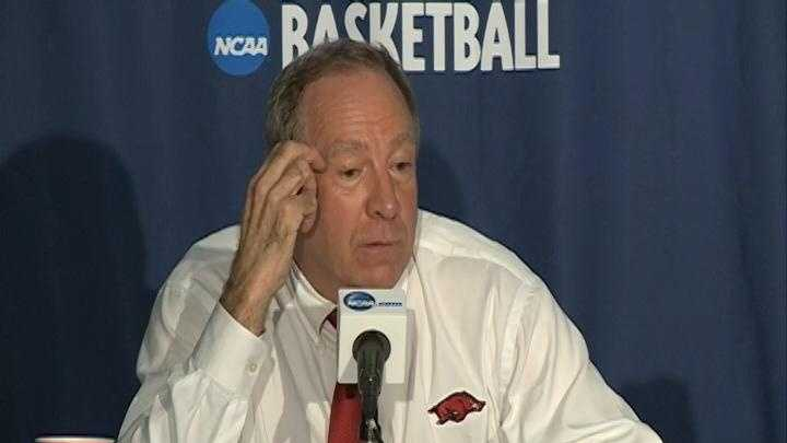 Lady Razorbacks basketball coach Tom Collen