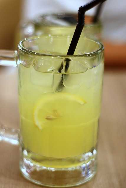 The Lemonade Diet: This diet involves a mixture of lemon, water, maple syrup and cayenne pepper. To follow this diet, you must stay away from solid food. Buzzle.com states you will need to drink 6-12 glasses of the lemonade mixture a day.