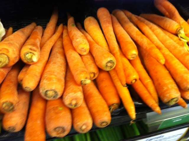Carrots: This brightly-colored vegetable is full of beta-carotene, an antioxidant which helps in growth and tissue repair.