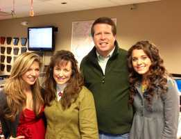 Digital editor for 4029tv.com Allison Wise poses with Jim Bob, Michelle and Ginger