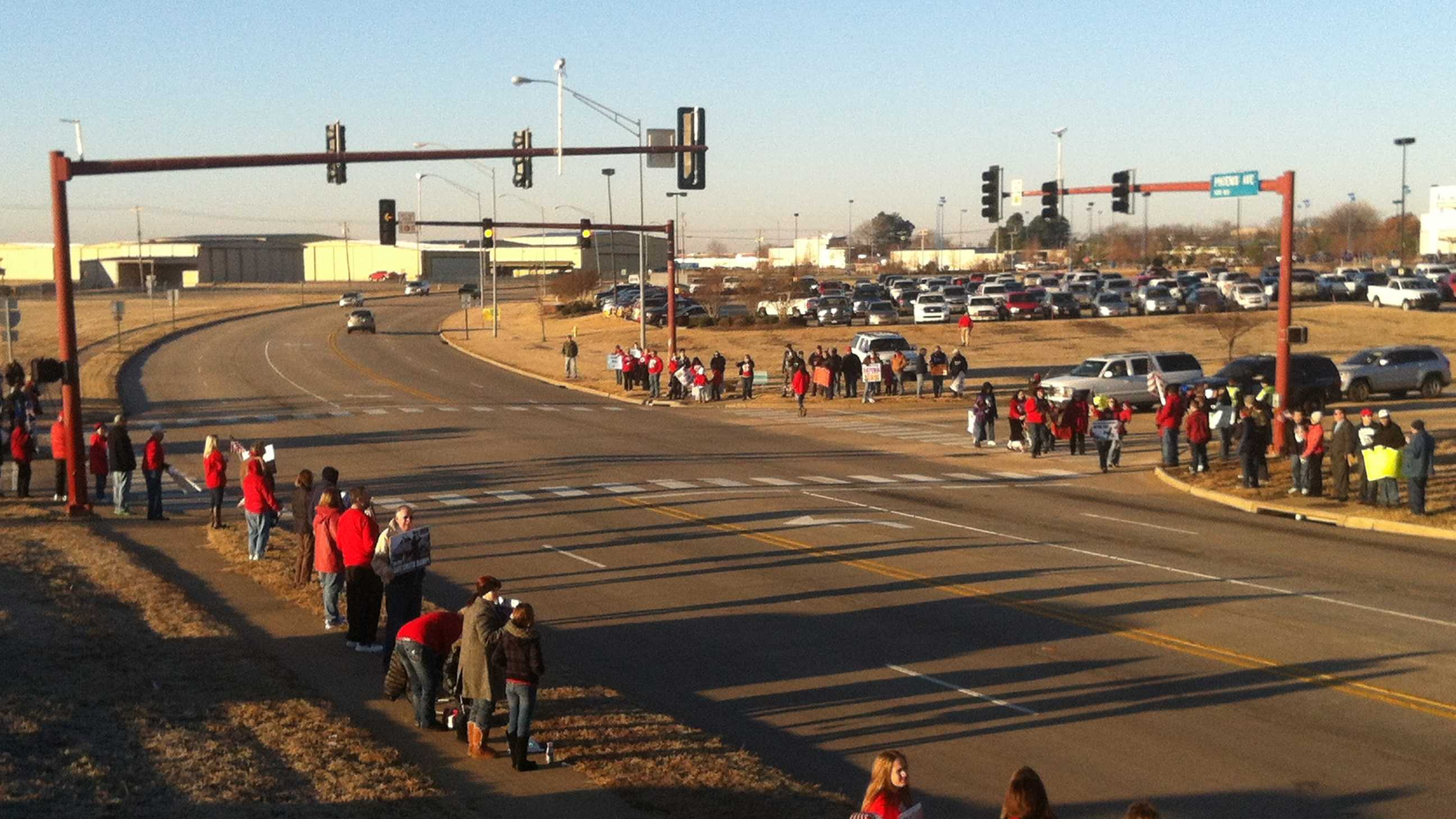 Crowds wait on Phoenix Ave. to show Gen. Mark Welsh how much they support the 188th staying in Fort Smith.