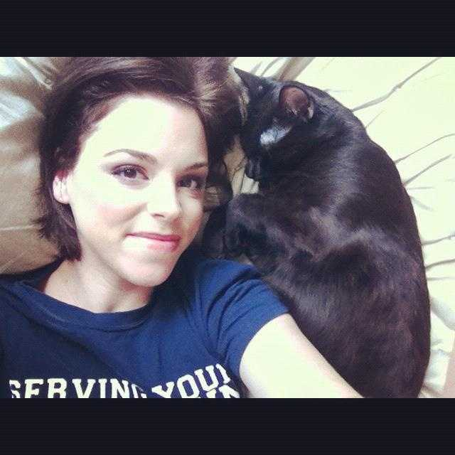 17. Kelly has two cats. Roz and Lilly. Roz likes to sleep on or next to Kelly's head every night.