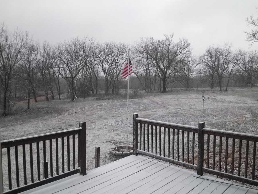Snow falling in Centerton