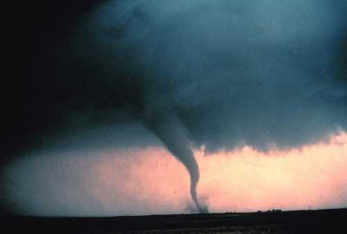 This photo was taken on May 22, 1981 in Cordell, Oklahoma. NOAA did not share any further information about this photo.