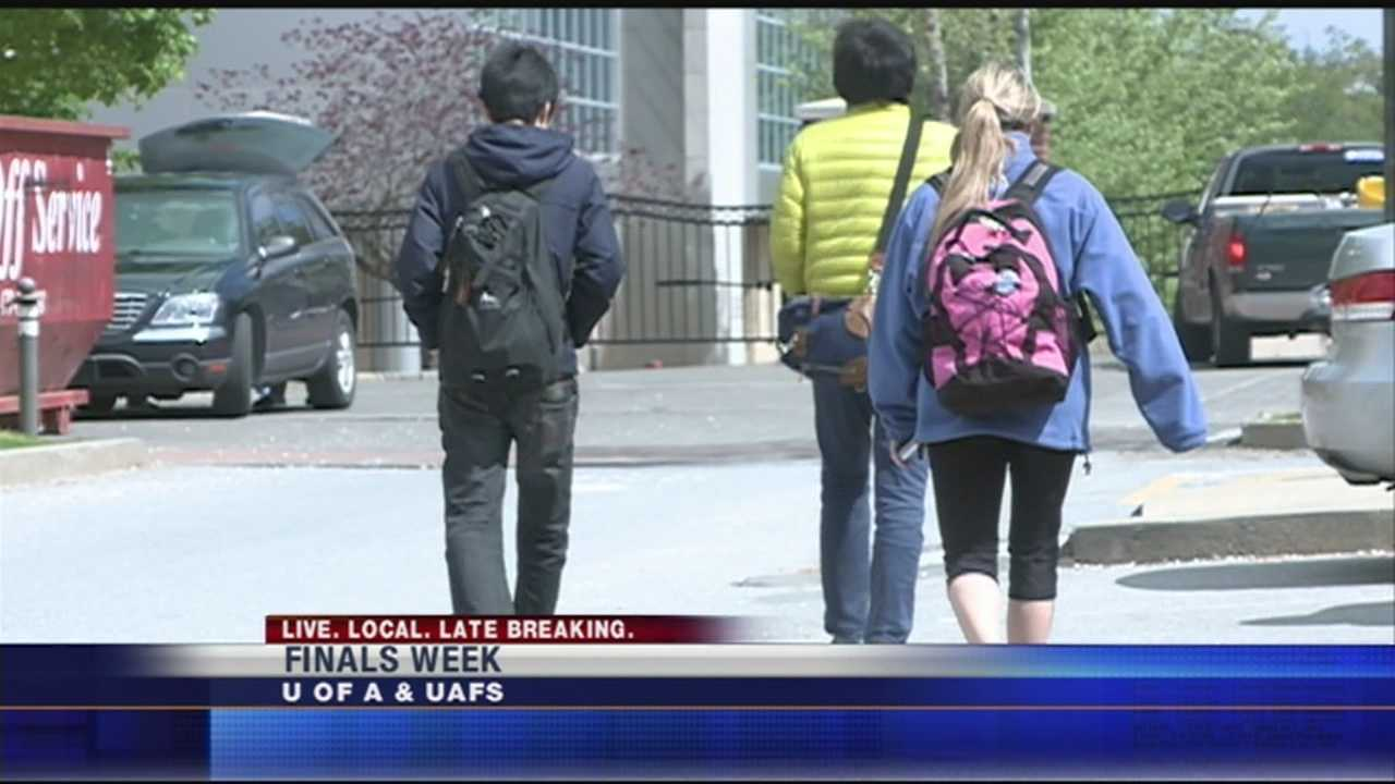 Students have mixed reviews on the job outlook as the country recovers from the recession.