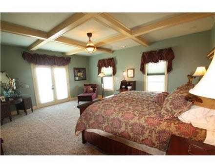 The master bedroom a large and comfortable space, full of natural light, is the perfect place to relax and be awoken by the beautiful morning sun.