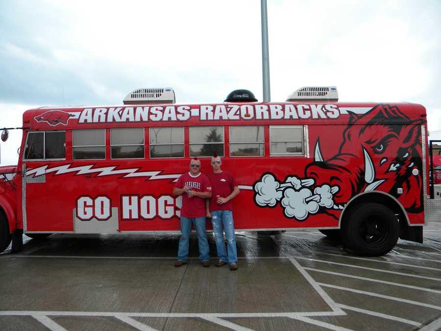 Razorback fan bus