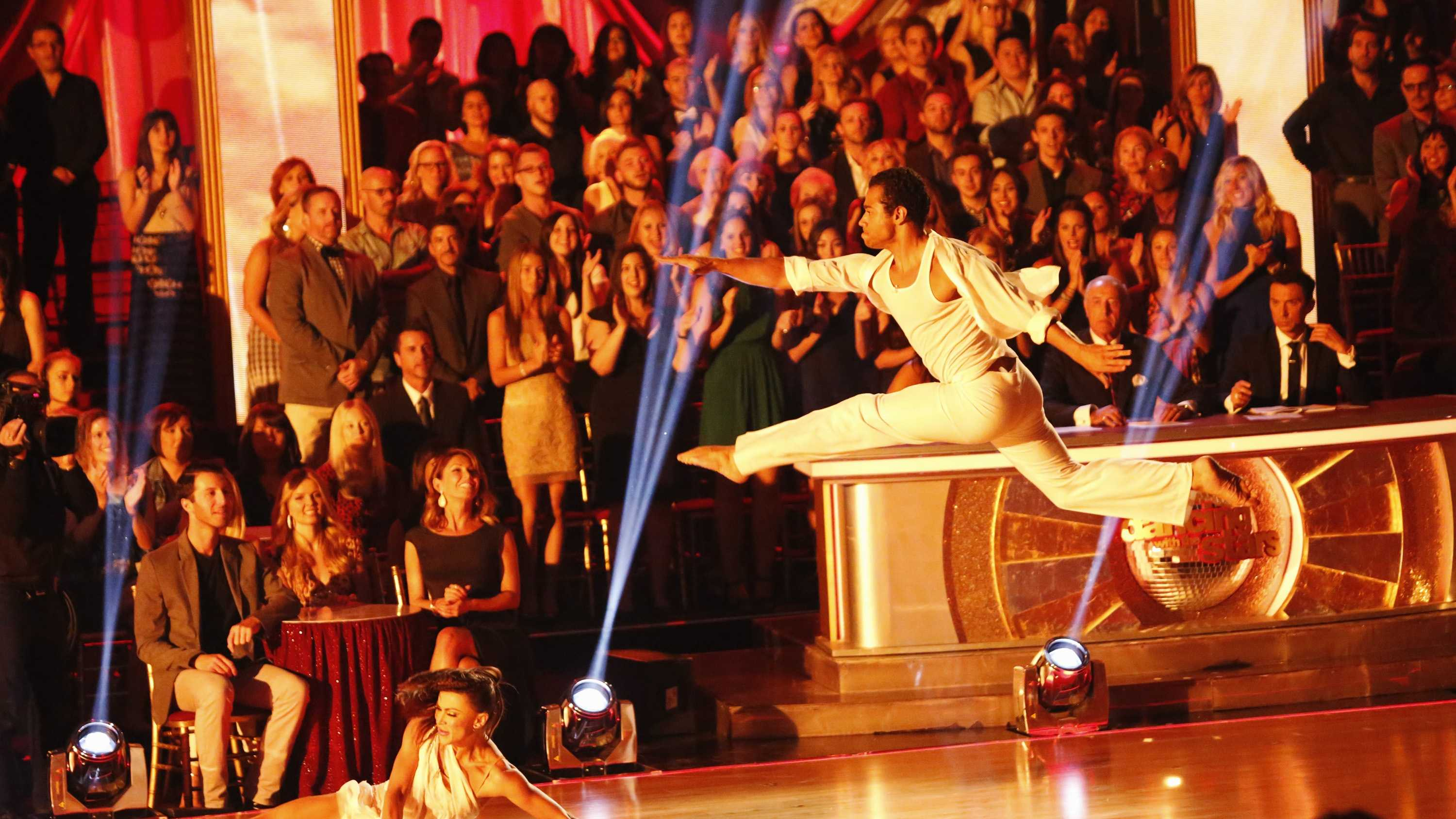 The show features competitive dance, dynamic group performances and musical guests, all building to a climactic elimination. Each week viewers can vote for their favorite dancing performance. Beginning with the second episode on Monday, September 23, one couple will be eliminated at the end of the show by combining the judges' scores from that night with the public votes from the previous week.