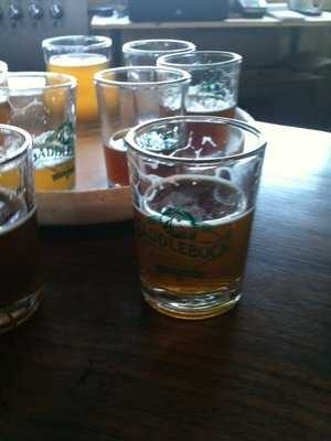 You can get samplers to try different beers. Our viewers recommend the Dirty Blonde, the Arkansas Farmhose and the Seasonal Chocolate Stout.