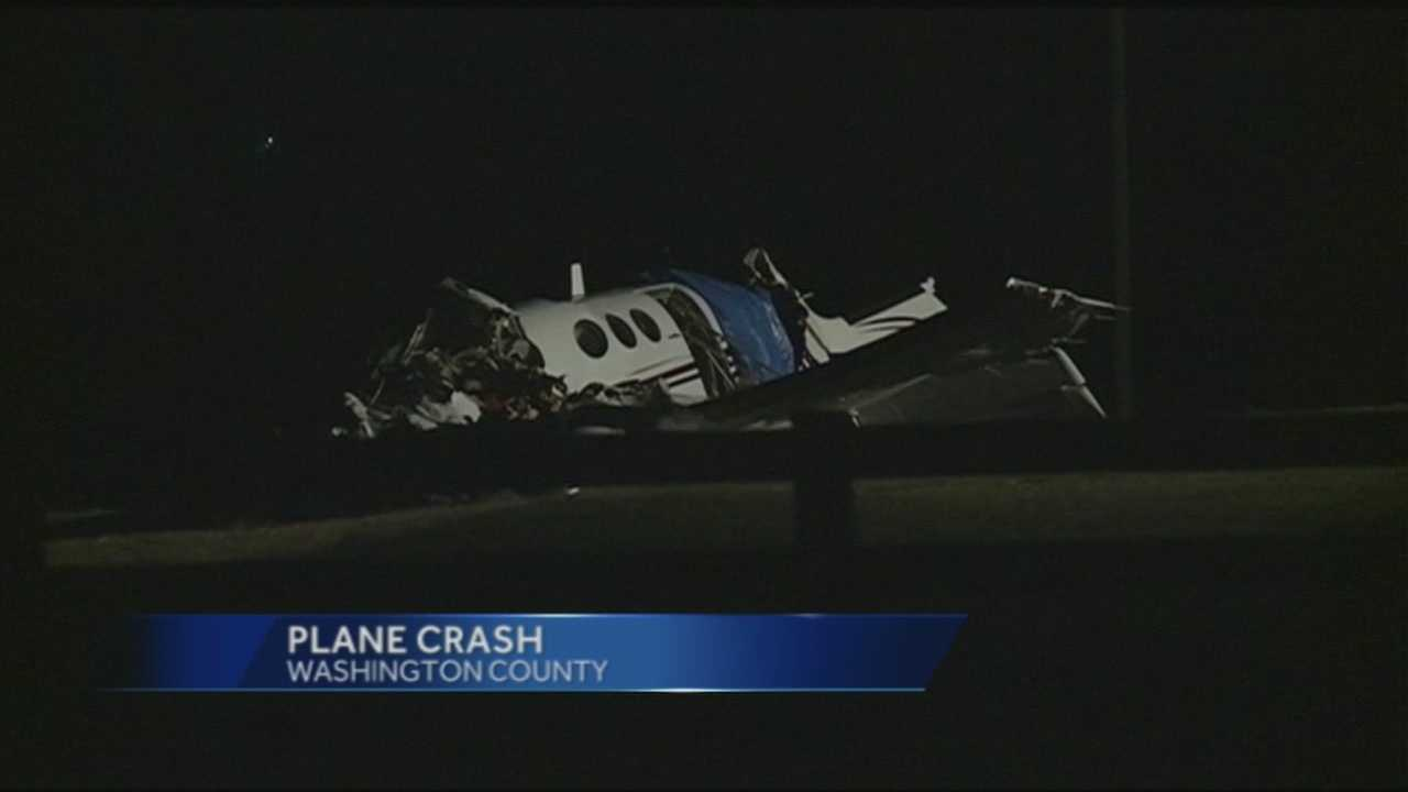 Crews returned to the scene of a fatal plane crash Saturday morning to investigate the crash