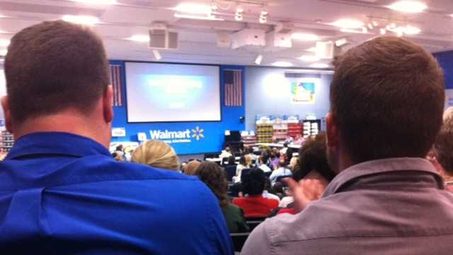 Walmart executives, workers discuss Black Friday plans at meeting