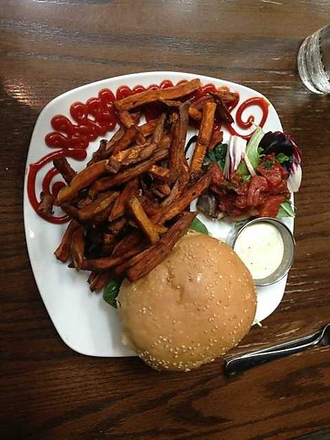 Greenhouse Grill in Fayetteville: Goat Cheese Burger