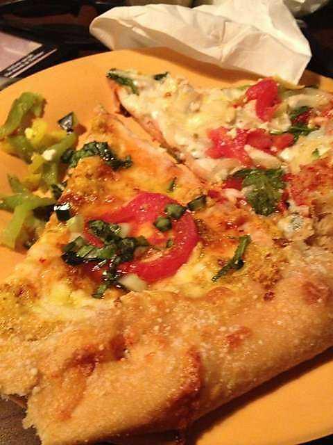Mellow Mushroom in NWA: Thai Dye and Veggie Pizza