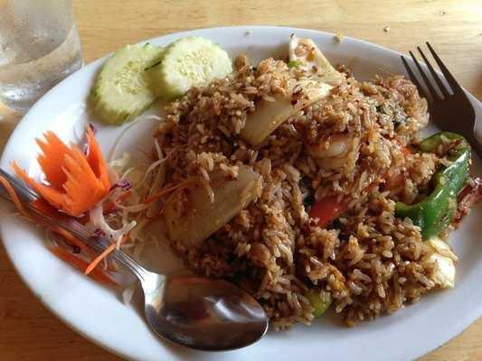 Twin Kitchen in Fayetteville: Basil Fried Rice