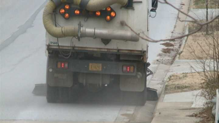 Fayetteville crews work extra hours to clear streets