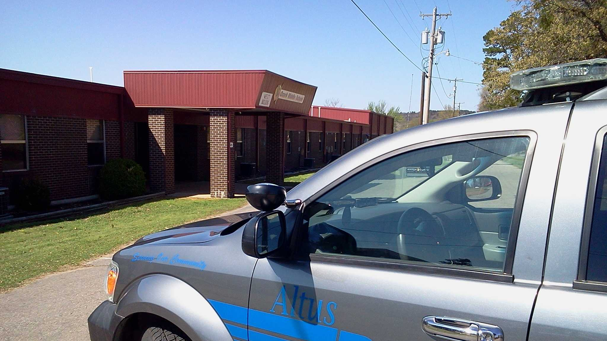 School gives all clear after Ozark Middle School bomb threat