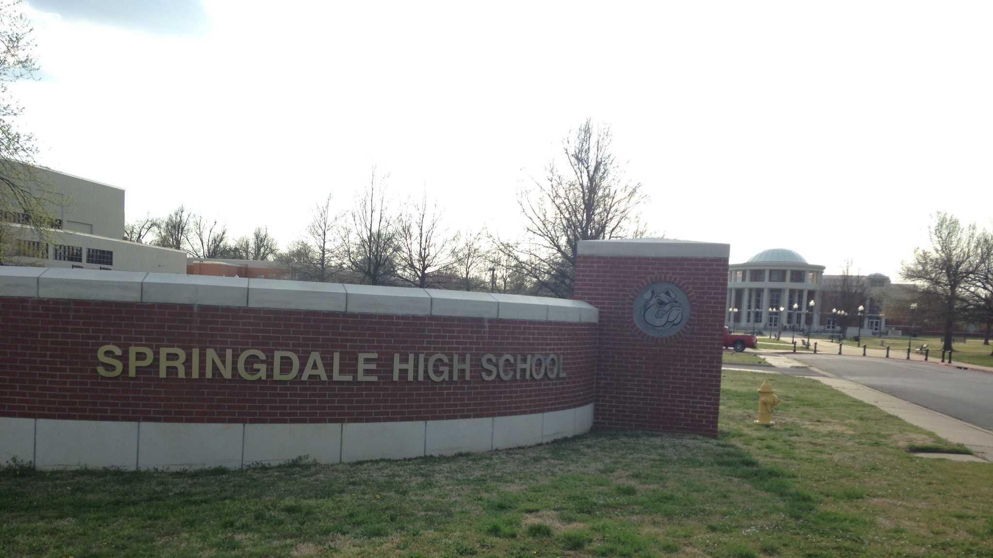 Police investigate bomb threat at Springdale High
