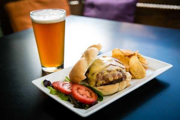 Bacon Smoked-Gouda Burger, Bordinos-Fayetteville