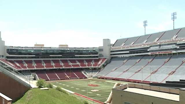Alcohol control officials inspect University of Arkansas' club level areas