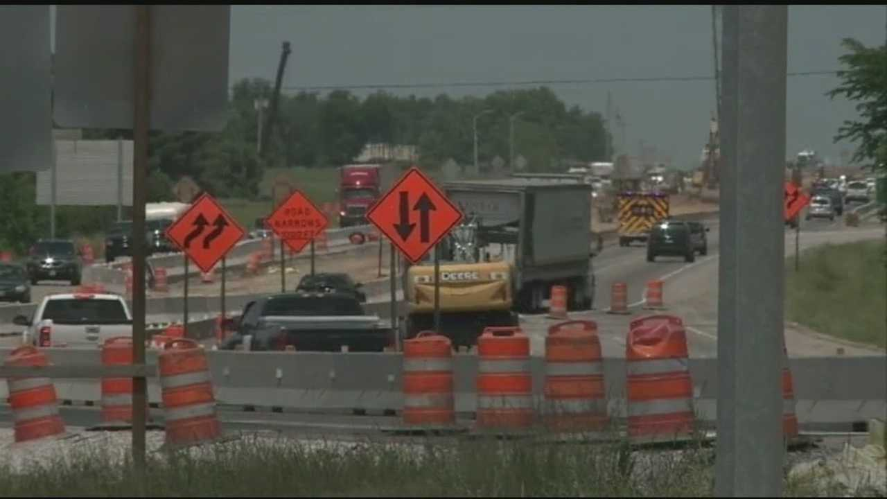 The highway department says they have posted signs alerting drivers about the lane changes on I-49.