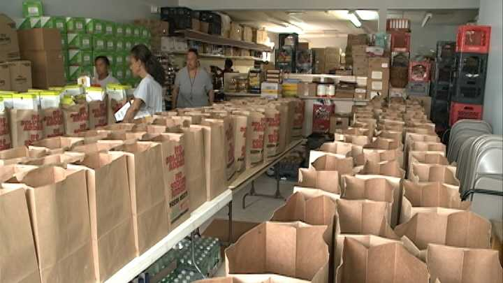 Rodeo attendees donate food during Feeding Hope Food Drive