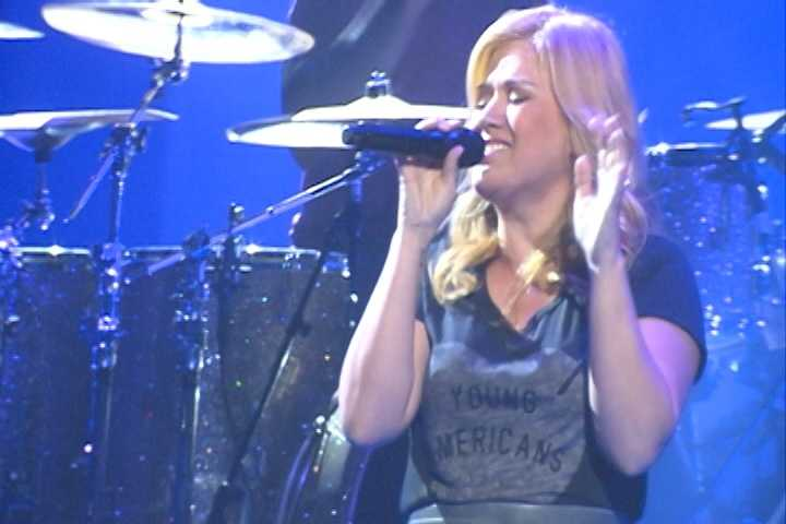 Kelly Clarkson - 2013 performer